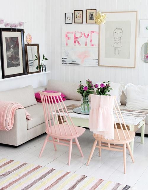 Pinterest: rayray0033  / /    http://inredningsvis.se/stolar-i-kul-kulor/  MMM love those pink chairs:)