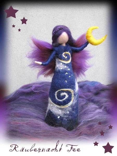 """Handgefertigtes Unikat aus hochwertiger Merinowolle in zauberhafter Farbkombination!  *""""Räubernacht Mondfee""""*  Diese Fee fand ihre inspiration ..."""