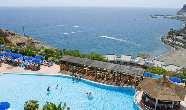Mogan Princess Hotel is located at the top of the mountain in Taurito #GranCanaria, with spectacular views and a fantastic service is the perfect base.