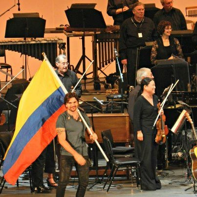 Juanes with Colombian flag
