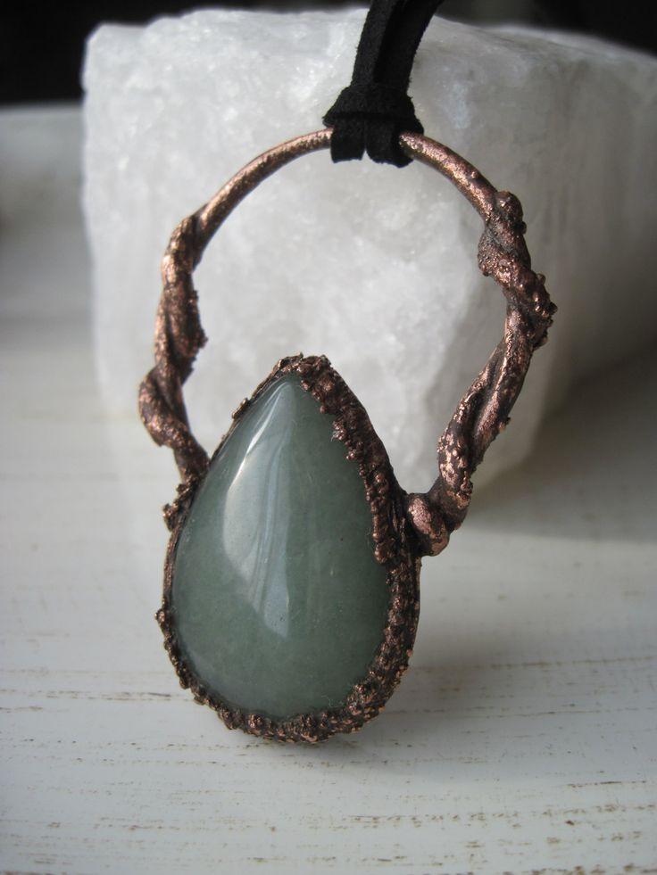 Collana rame antico con avventurina - rame elettroformato - electroforming- pietra cabochon goccia - vegan cord di Loonharija su Etsy