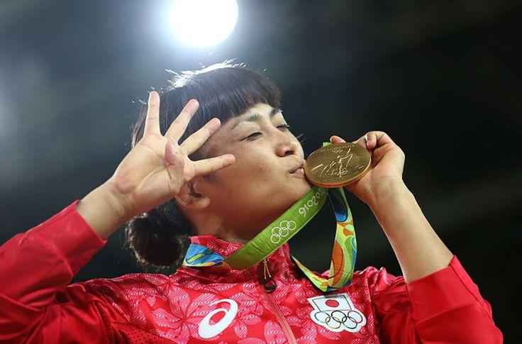 五輪全競技を通じて、伊調が史上初の女子個人種目4連覇達成! - gorin.jp #リオ五輪 #レスリング