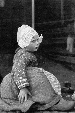 dutch girl in volendam folk daywear
