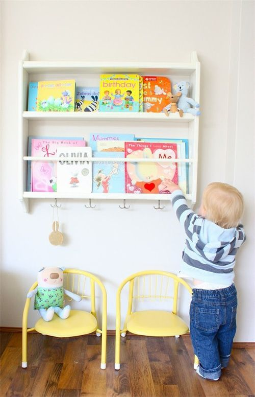 IKEA HACKS - STENSTORP plate rack as children's book display