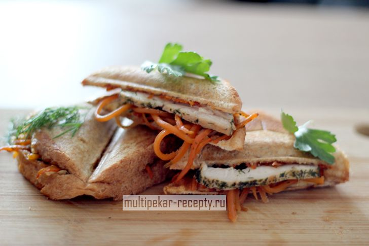 Сэндвичи в мультипекаре с курицей барбекю
