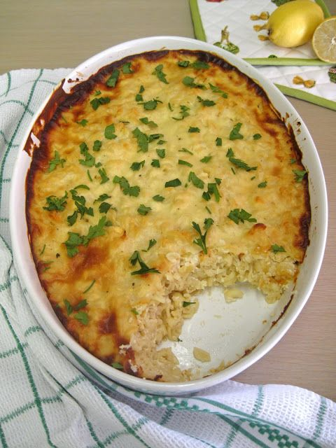 Βίδες με γιαούρτι, τυριά και μπεσαμέλ με σκόρδο και λεμόνι
