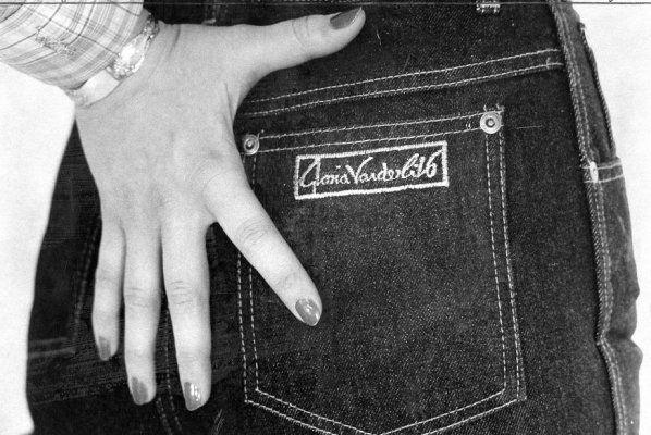 1979, Gloria Vanderbilt jeans