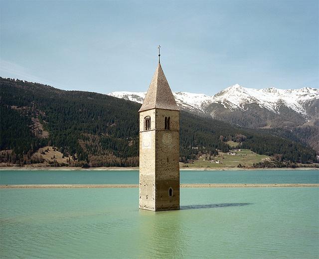 Kirchturm im Reschensee, Südtirol