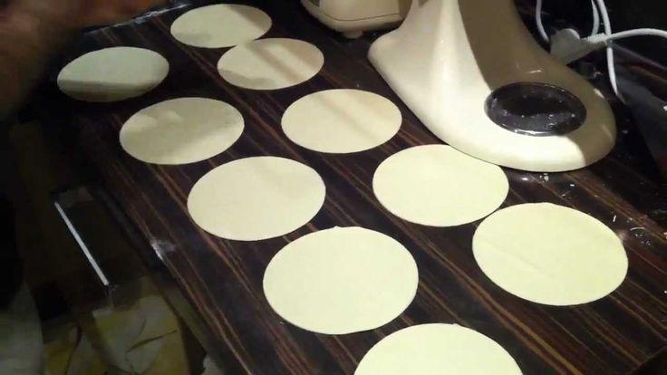 Хинкали, готовлю дома, мое самое любимое блюдо.вот полная версия http://www.youtube.com/watch?nomobile=1&v=AN9uodnIgwE