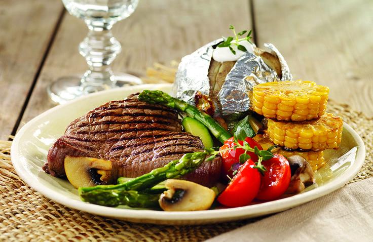 Biff med bakt potet og grillgrønnsaker | www.greteroede.no | Oppskrifter | www.greteroede.no