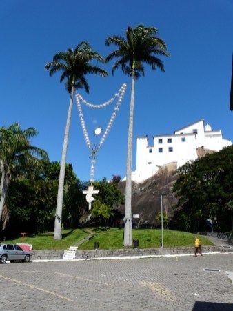 Convento da Penha em Vila Velha. O ponto turístico mais visitado do estado, além de ser local de peregrinação e fé, oferece vistas lindas para a Baía de Vitória e para a cidade de Vila Velha.