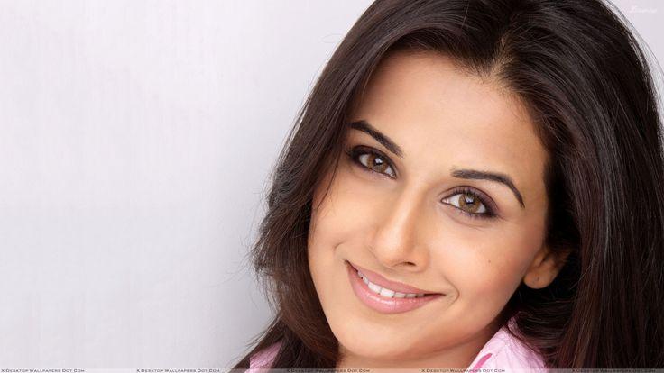 Vidya Balan Smiling Cute Brown Eyes Face Closeup