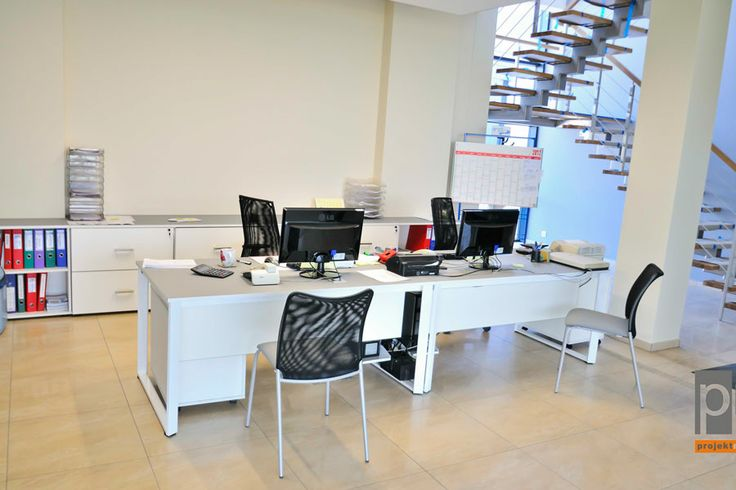 Sala sprzedarzy http://www.projektmebel.pl/realizacje/poczekalnia-i-recepcja