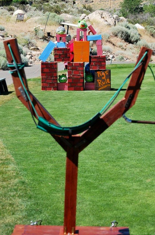 Angry Bird Game. Interesting things to do out there in your backyard. So simple and cheap to make, and you could play them with your kids or family anytime. http://hative.com/creative-and-fun-backyard-ideas/