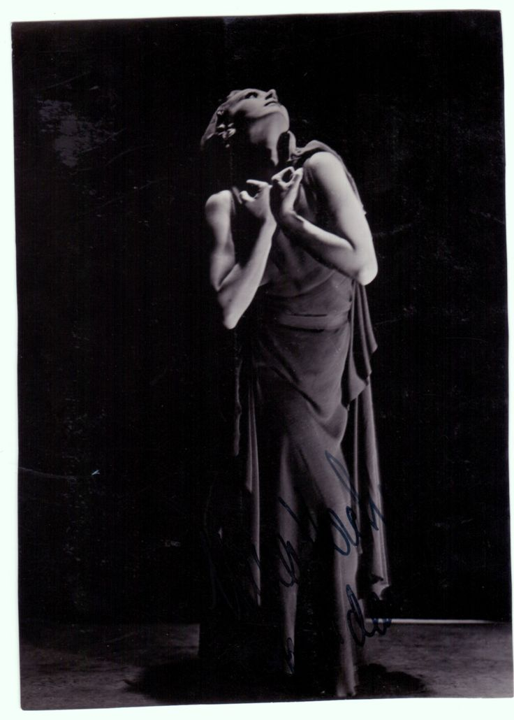 PIONEIROS NO BRASIL - NINA VERCHININA Uma das mais importantes pioneiras da Dança Moderna no Brasil.