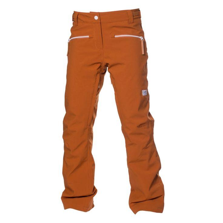 Cork Pant är en stilren skidbyxa med slimmad passform i stretchmaterial som ger ökad flexibilitet och komfort.