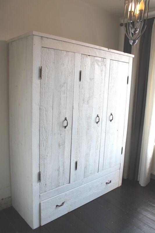 Wardrobe Girlsroom old wood/ reclaimed scaffolding wood. Kleiderschrank Bauholz. Mädchenzimmer. Schlafzimmer. Bedroom 3-deurskast Jazz
