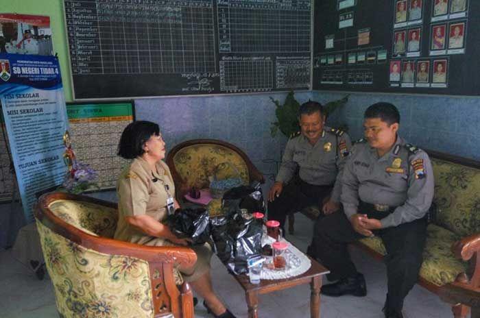 Tribratanewsmagelangkota.com - Bhabinkamtibmas Tidar Utara magelang Kota Ajun Inspektur Polisi Satu Henry Istiadi SH laksankan sambang dan binluh