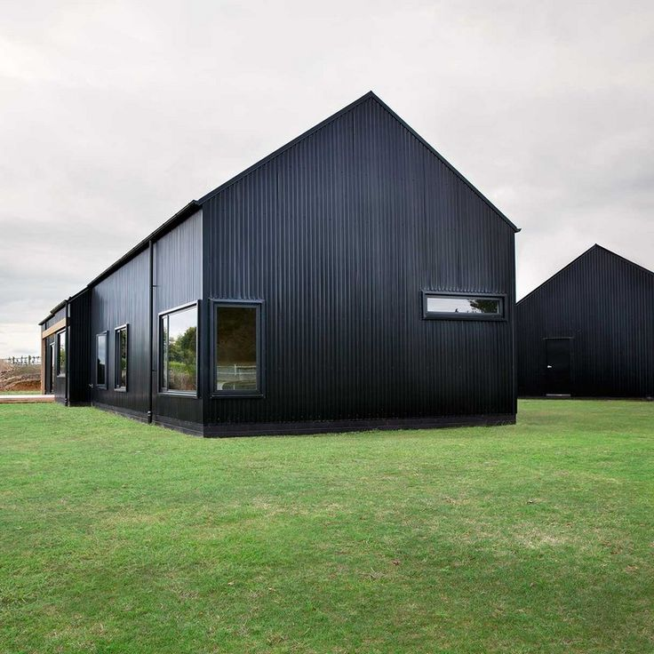 Red River Ranch Apartments: Innovative Black Barn By Red