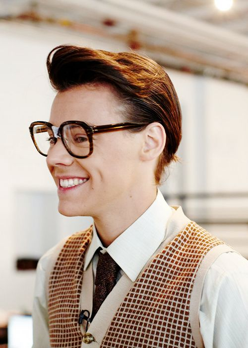 ahh Harry as Marcel in Best Song Ever