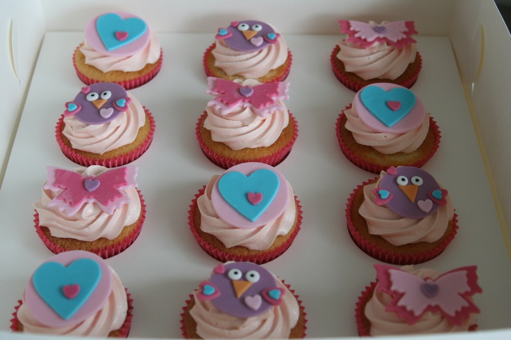 Hootabelle - Giggle and Hoot Cupcakes from Caroline's Kitchen