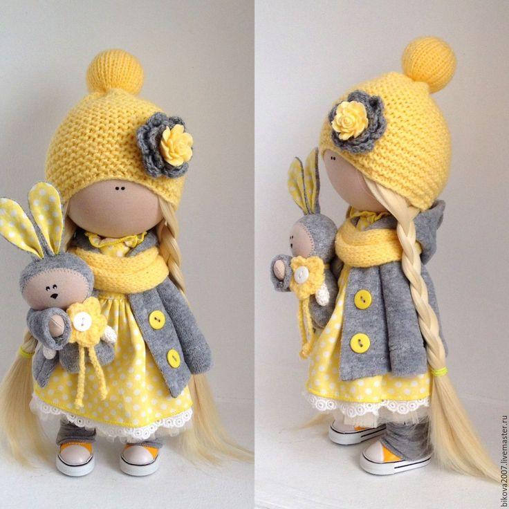 Купить или заказать Интерьерная куколка в интернет-магазине на Ярмарке Мастеров. Представляю вашему вниманию, мою новую работу Текстильную куколку.Куколка станет отличным подарком для ваших близких. Куколка выполнена из качественных материалов, сделана с любовью, стоит и сидит самостоятельно, одежда не съёмная.