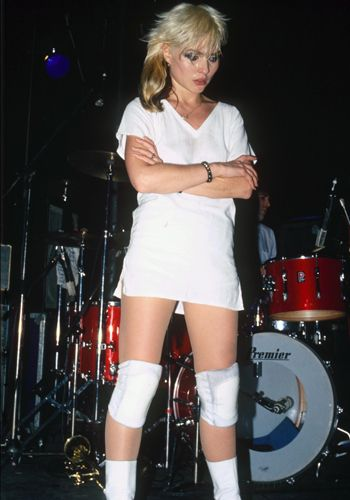 Blondie's Debbie Harry: white t-shirt dress #THEDRESLYN