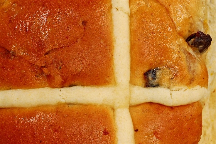 Be in the know for Easter 2012. We reveal where the Easter bunny is hiding Melbourne's best hot cross buns!