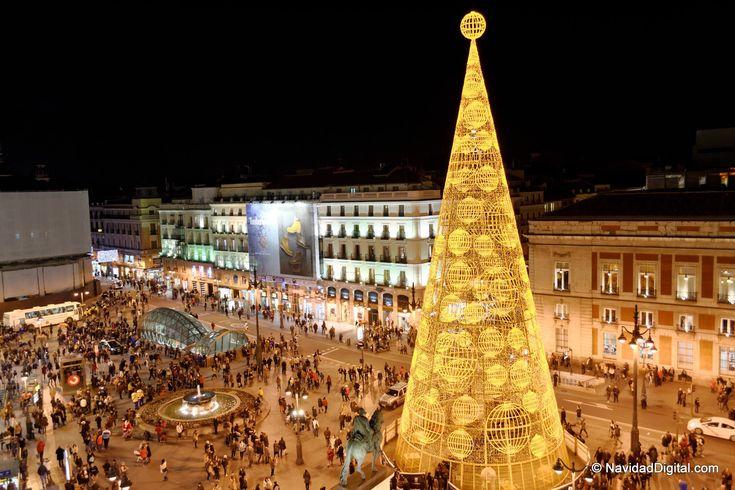 Arbol Navidad Madrid 2013 y 2014 en Sol | Christmas tree at Sol, Madrid, Spain, 2013 and also repeating in 2014