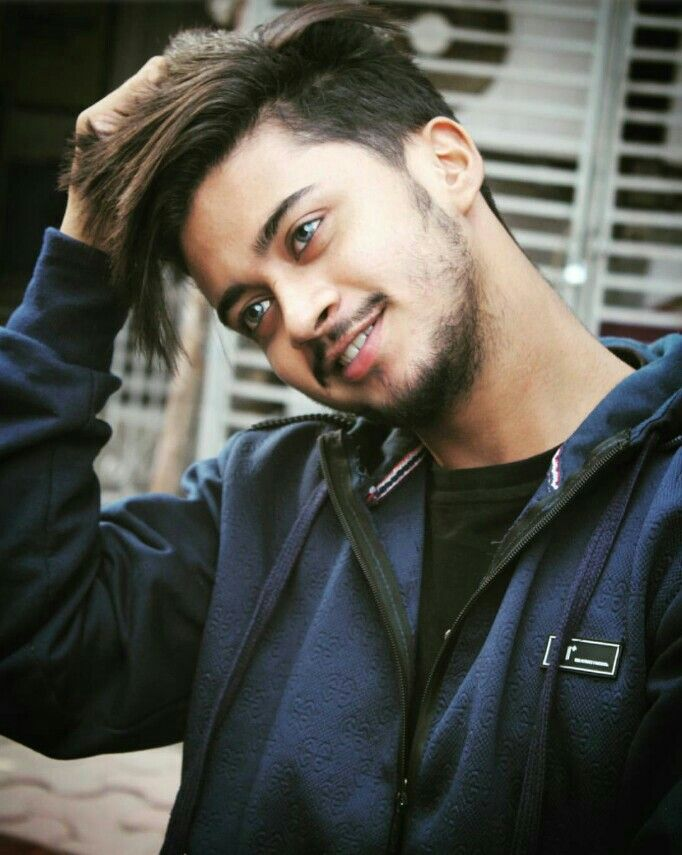 Hasnain Khan Team07 Dz For More You Can Follow On Pinterest Golden Heart Celebrity Biographies Photography Poses For Men Top Hairstyles