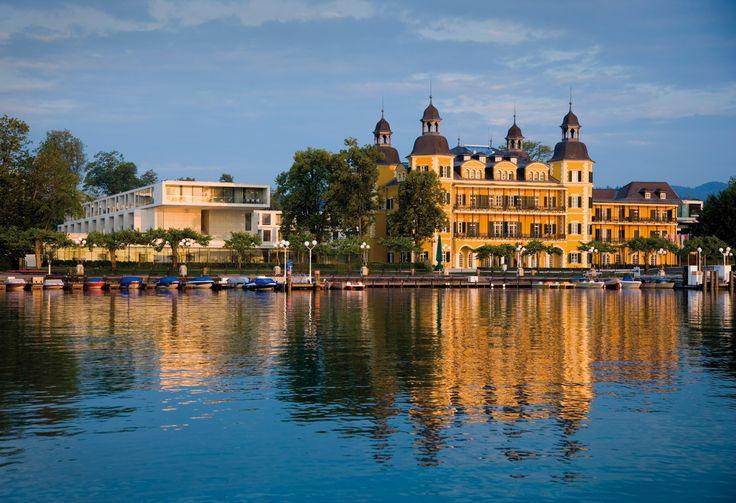 Aussenansicht Falkensteiner Schlosshotel Velden!  #leadingsparesorts #schlosshotel #velden #wörthersee #kärnten #österreich #hotels #luxury #history #summer
