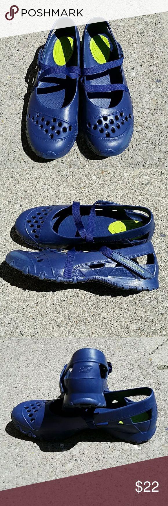 Foam Sketchers Sneakers Velcro Strap. In good condition. Sole is not run down. Skechers Shoes Sneakers