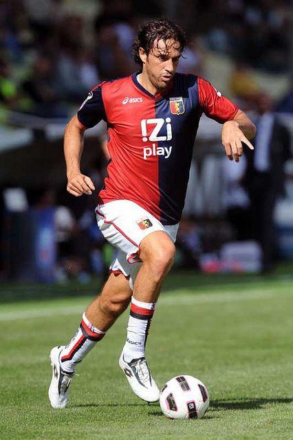 Luca Toni - Modena, Empoli, Fiorenzuola, Lodigiani, Treviso, Vicenza, Brescia, Palermo, Fiorentina, Bayern Munich, Roma, Genoa, Juventus, Al Nasr, Italy.