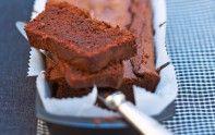 Le chef Cyril Lignac vous propose sa recette gourmande du cake au chocolat. Un délice.