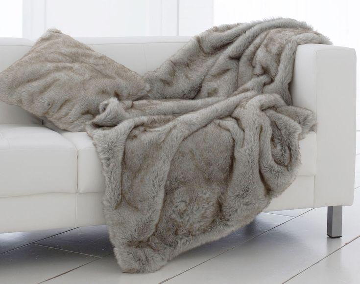 1000 id es sur le th me plaid fourrure sur pinterest plaid fausse fourrure coussins de sol et. Black Bedroom Furniture Sets. Home Design Ideas