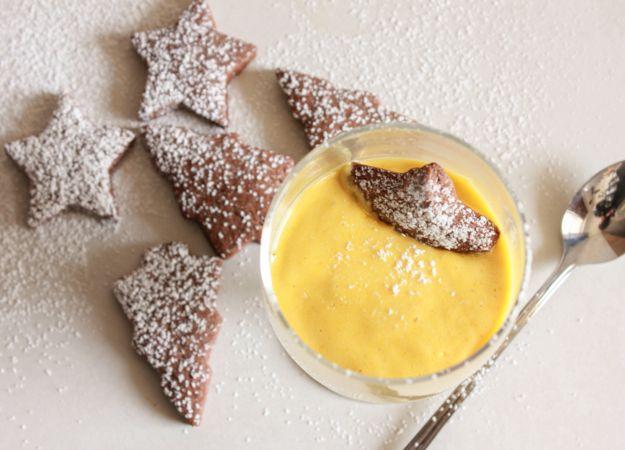 Zabaione, eine köstliche italienische Creme-Dessert.  Wenn Sie Eierlikör mögen, werden Sie lieben Zabaione, servieren es mit diesen leckeren italienischen Schokoladenausschnitt Cookies |. Anitalianinmykitchen.com