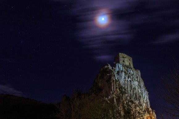 Beckov castle with the moon