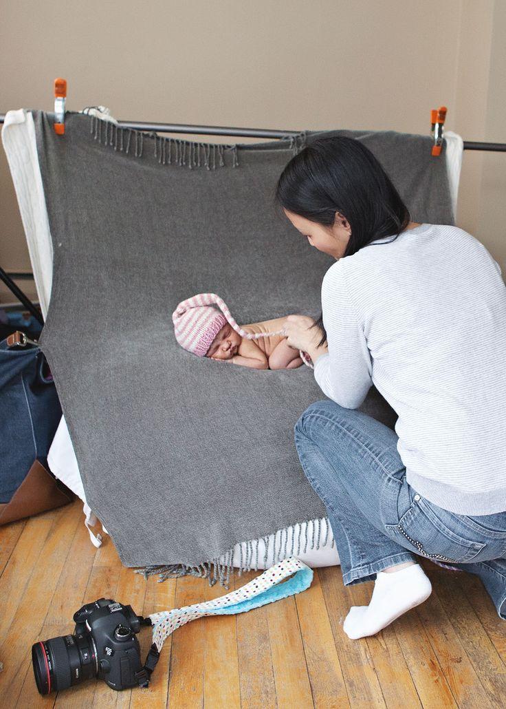Posing newborns: Behind the scenes of a newborn photo session