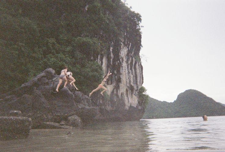 Bella Griffiths / disposable  / nam jump