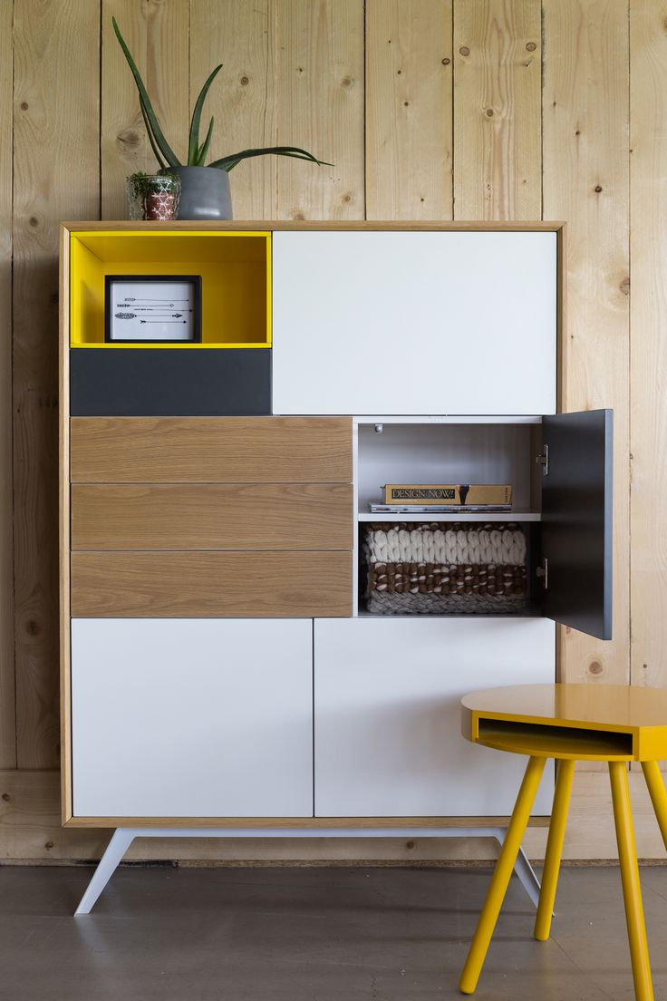 Basically we took grandma's old cabinet, fiddled with the design, the colours and different kinds of wood and voilà: Meet a brand new Zuiver! I say 'we' did this, but to be honest it was our own art director. She designed this fabulous cabinet series. We think she did just perfect on the balance between open compartments and those with doors. And how about those two great colour combinations she chose for you?