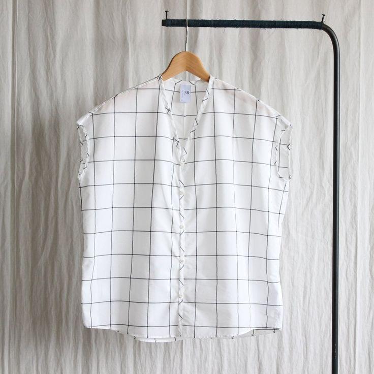 VFSH ウィンドペンチェックVネックノースリーブシャツ #white×black