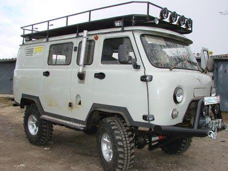"UAZ-452 Buhanka ""Bread Loaf"" Van"