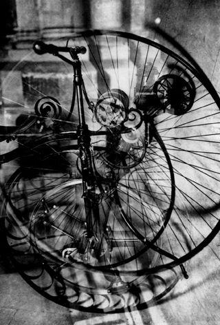 Germaine KRULL (1897-1985) Surimpression (planche n°22 de Métal), c.1927