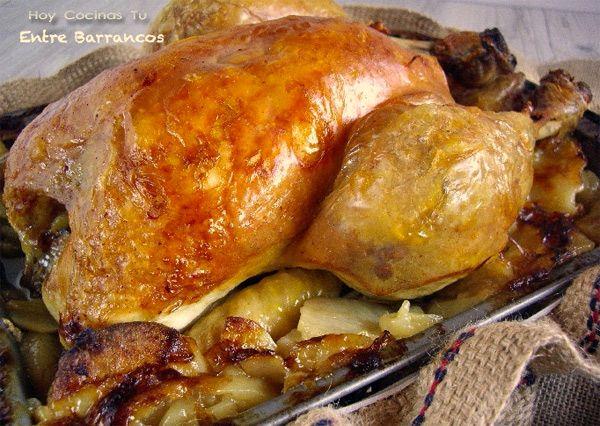 Pollo de corral al horno con patatas panadera