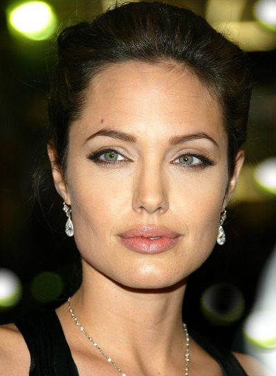 pictures of angelina jolie's hair   Angelina Jolie's simple, elegant bun is a perfect choice for long ...