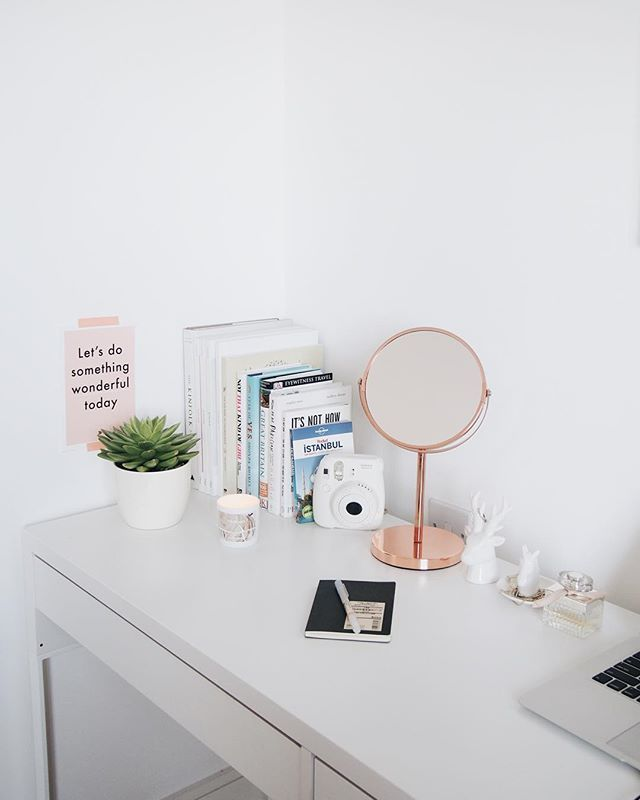 "Today's desk vibes. ""Let's do something wonderful today."" 