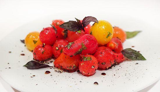 Салат из голеньких помидоров (Naked Cherry Tomato Salad)