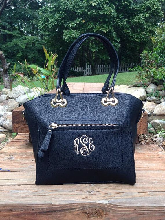 Use this tote and go from professional to casual in the same day! Our Caitlin purse is a large pocketbook with 2 interior compartments, a large