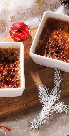 Die perfekte Mischung aus süß und herb! Unsere weihnachtliche Gewürz-Crème brûlée sollten Sie unbedingt probieren. REWE wünscht Ihnen ein frohes Fest. Zum Rezept »  https://www.rewe.de/rezepte/gewuerz-creme-brulee/