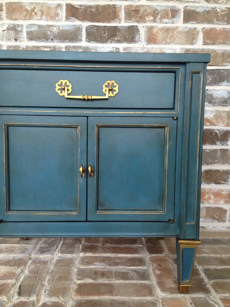 Annie sloan chalk paint in aubusson blue with gold gilding wax accents love studio for Car wax on kitchen cabinets